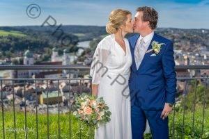 Passau-Fotograf-Deggendorf-Stefan-Gruber-Photo-im-Puls.de-Hochzeitsfotograf-Passau-Deggendorf-Freyung-Vilshofen-Otzing-Dingolfing-Oberhaus-Stefan-Gruber-FotoBox-Mieten-Wedding-Instagram-Facebook